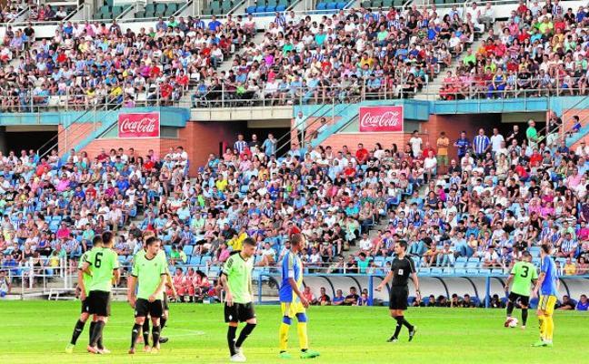 El Recreativo incorpora a Santi Luque, cedido por el Lorca FC