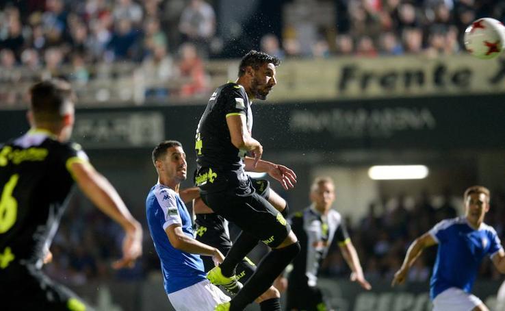 El Cartagena recupera la sonrisa tras vencer al San Fernando (3-1)