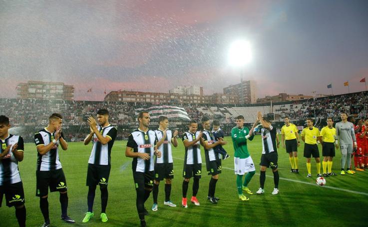 El Sevilla resuelve por la vía rápida