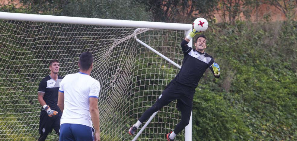 Pau Torres, baja segura para el choque en Badajoz