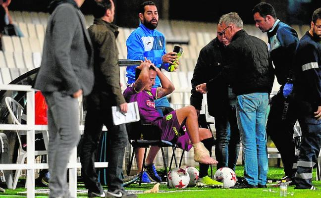 Álvaro González, a falta de más pruebas, solo tiene un esguince