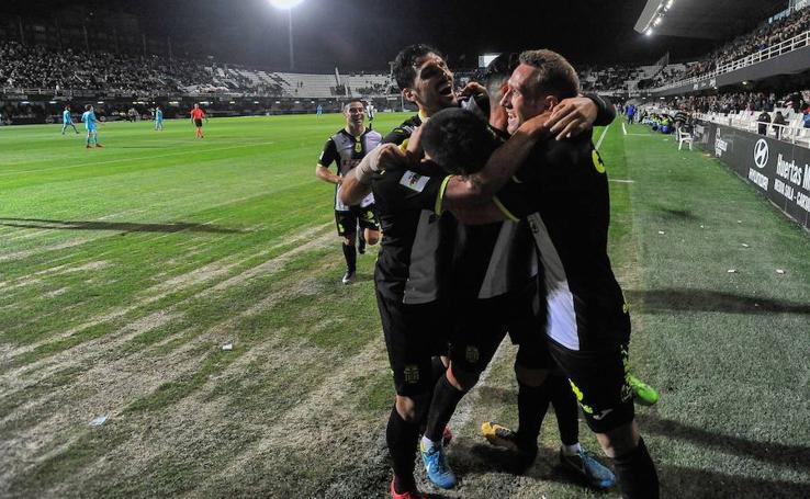 Aketxe deja líder al Cartagena tras vencer a la Balompédica (1-0)