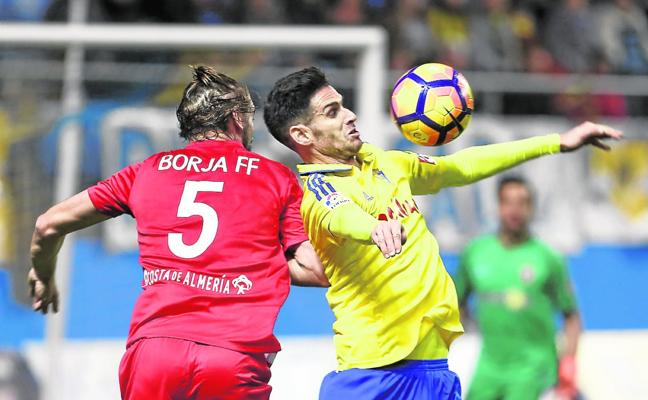 Mallorca, Hércules, Murcia, Fuenlabrada y Burgos también quieren a Rubén Cruz