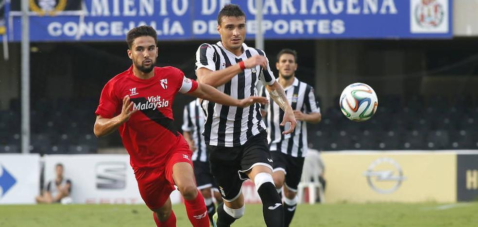 Seba Ribas, ex del Efesé, es el máximo goleador de la Superliga argentina