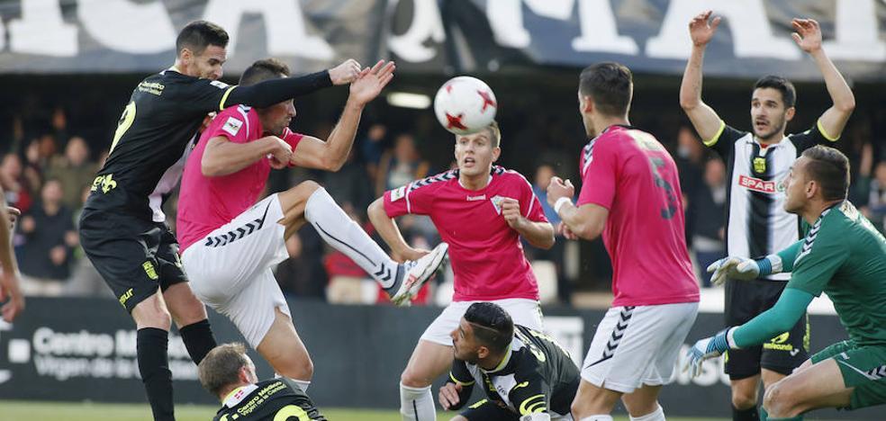 El Marbella le quita el liderato al Efesé (0-1)