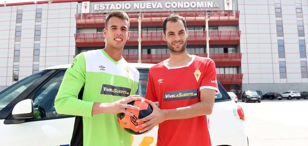 El Real Murcia presenta a Álex Ortiz y Alejandro Santomé