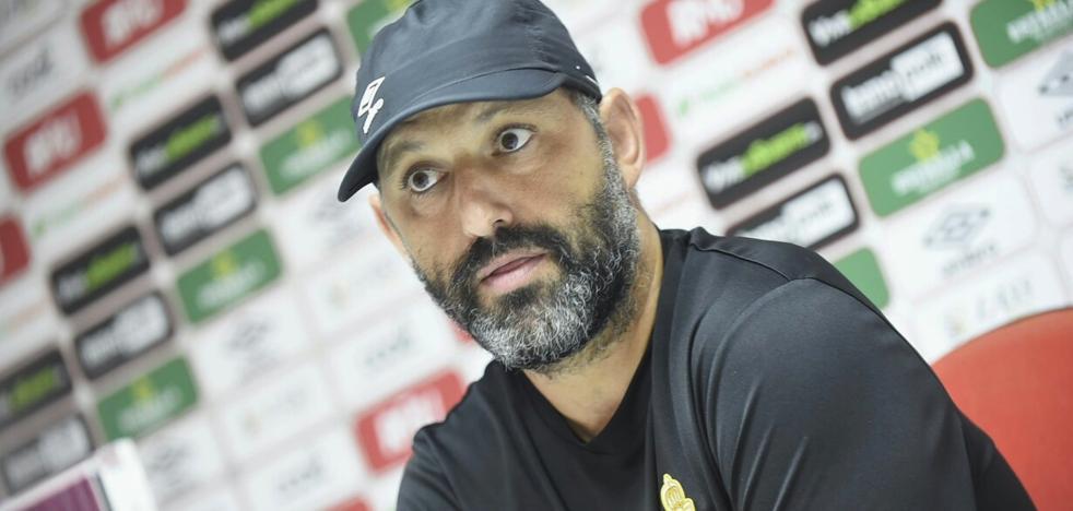 Basadre: «Es un orgullo entrenar al Murcia, es un equipo de Primera»