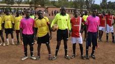 El Murcia crea una escuela futbolística en Ruanda y dona equipaciones
