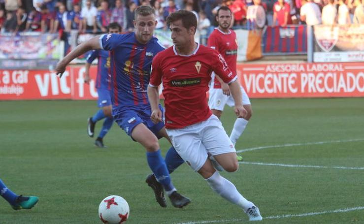 El Murcia olfatea el 'playoff' tras vencer al Extremadura