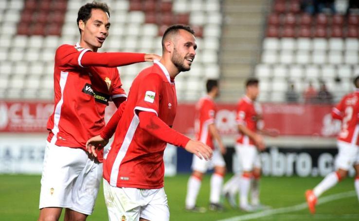 Las mejores fotografías de la victoria del Real Murcia ante el Badajoz (1-0)