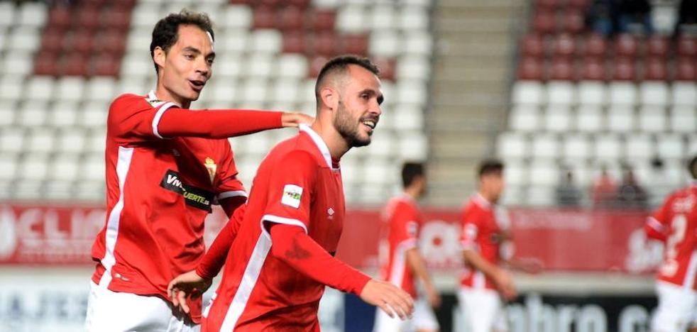 Un zarpazo de Santi Jara acerca al Murcia al 'playoff' (1-0)