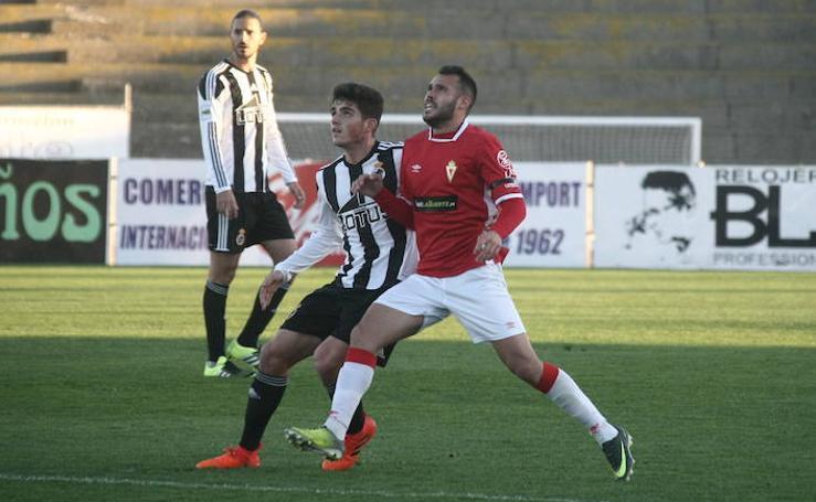 El susto acaba como un regalo en la victoria del Real Murcia contra el Linense (1-2)
