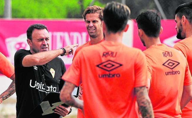El Murcia estrena año con anhelo de estabilidad