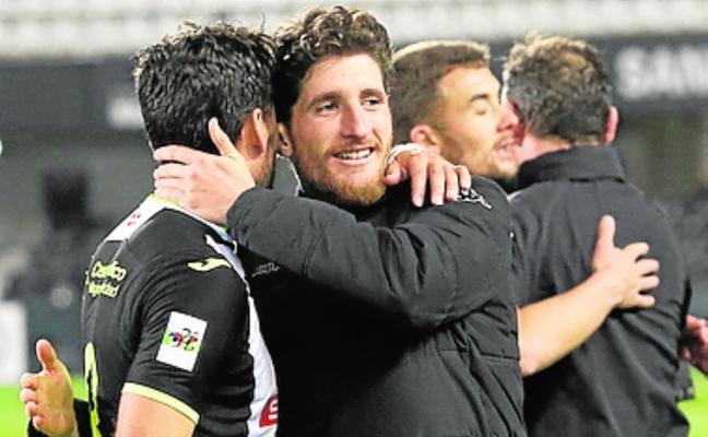El tinerfeño Germán Sáenz quiere recuperar el olfato goleador en el Mérida