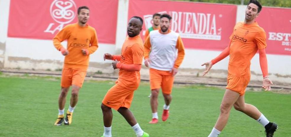 El extremo Cedrick entrena con el Murcia