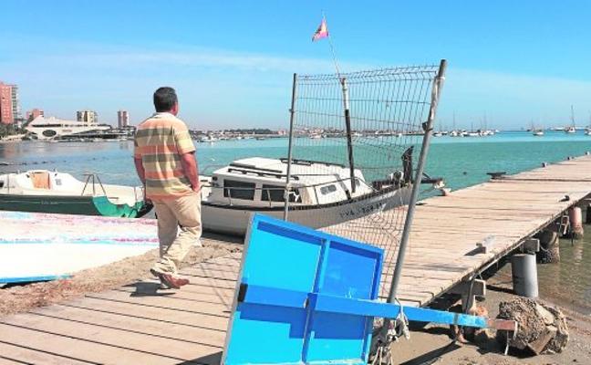 Costas terminará la reparación del pantalán de La Ribera antes de julio