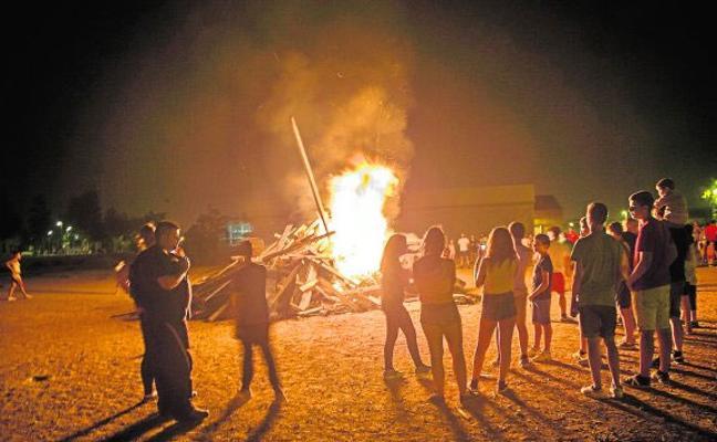 La Noche de San Juan se extenderá con hogueras de La Ribera a La Manga