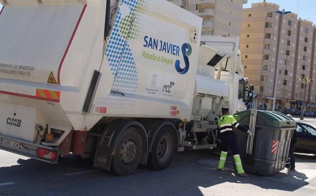 La recogida de basuras aumenta cuatro rutas en La Manga y La Ribera