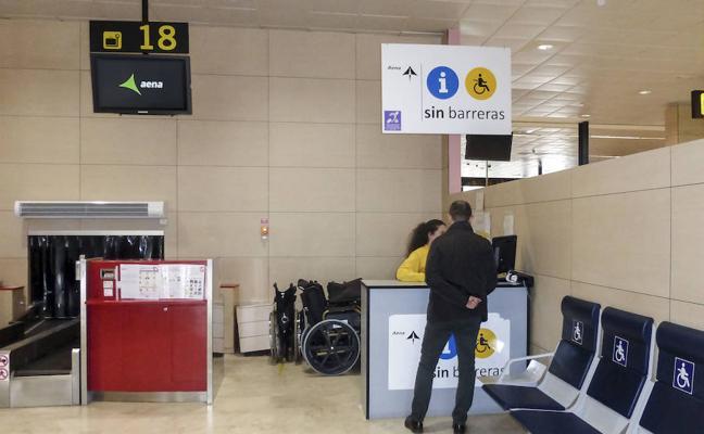 Aena contrata la asistencia a discapacitados en el aeropuerto por cuatro años más