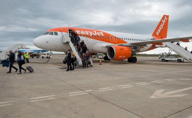 San Javier cierra el primer semestre de 2017 con un 12% más de pasajeros que el año anterior