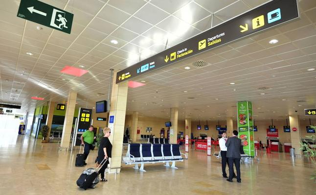 El Aeropuerto de San Javier alcanza los 10 establecimientos comerciales