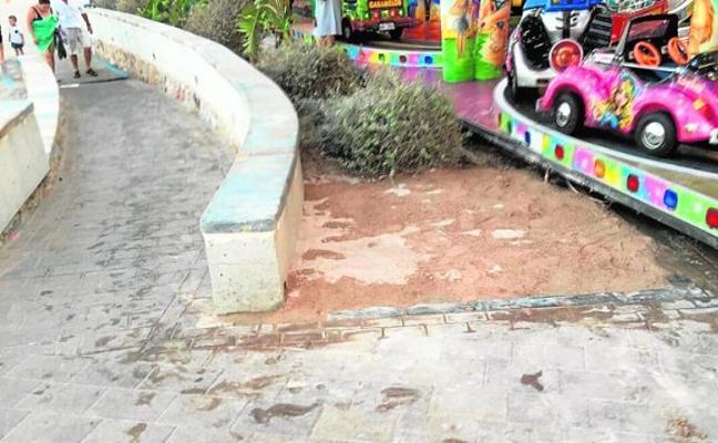 Investigan filtraciones en el paseo de Santiago de la Ribera