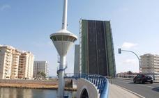 Una avería del puente de El Estacio impide el paso de barcos de más de 7 metros