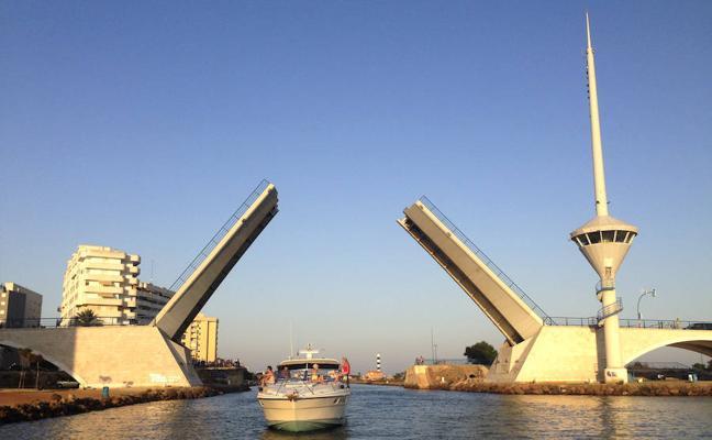El puente de El Estacio reabre después de una semana averiado
