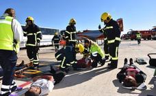 La AGA simula el choque de un C101 contra un avión de pasajeros