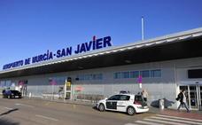 Catorce georgianos detenidos por falsedad documental en el aeropuerto de San Javier