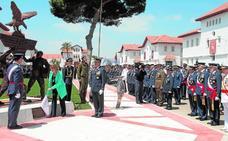 75 años de servicio a España