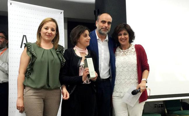 Apcom gana el premio a la mejor campaña de una ONG de España