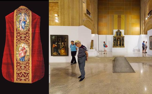 La muestra 'Signum' supera los 5.000 visitantes y añade a las piezas expuestas el terno rojo del marqués de los Vélez