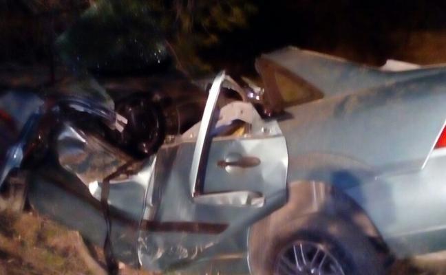 Dos fallecidos en un choque contra un árbol en Caravaca marcan la 'Operación Salida'