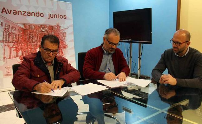 El Ayuntamiento firma un convenio con 'Calzia-Yute de Caravaca' para mejorar la formación en el sector