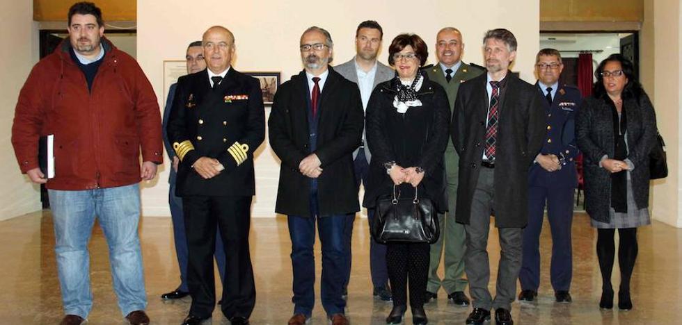 La Compañía de Jesús acoge la exposición 'Hombres y barcos: la fotografía de la Marina Española'