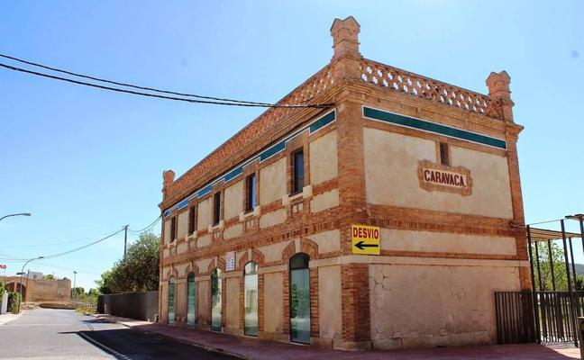 Sale a licitación la explotación del albergue 'La Estación' y del Hotel 'El Llano'