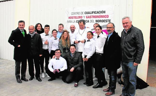 La escuela de hostelería da sus primeros pasos en Venta Cavila