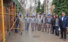 Un programa de empleo permite la reforma de los vestuarios y aseos de las pistas Juan Carlos I