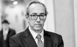 El oftalmólogo caravaqueño Juan Manuel Laborda pronuncia el pregón de las fiestas patronales en la explanada del Castillo