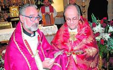 Bendicen una reliquia de San Juan de la Cruz