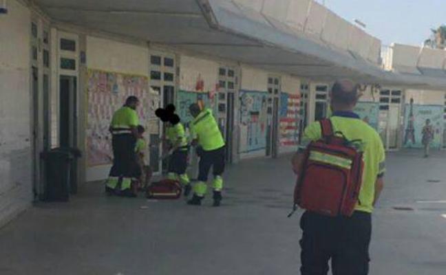 Una niña de 3 años sufre una lipotimia debido al calor en un colegio de Torre Pacheco