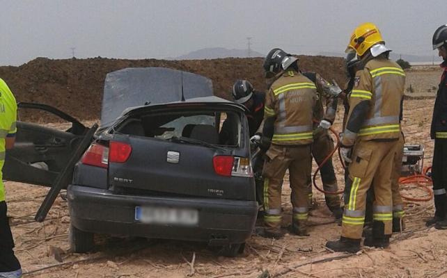 Fallece un hombre de 72 años al salirse su coche de la carretera en Torre Pacheco