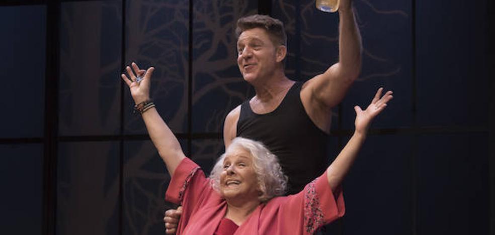 Lola Herrera y Juanjo Artero se citan en el CAES con una comedia sobre la vejez beligerante