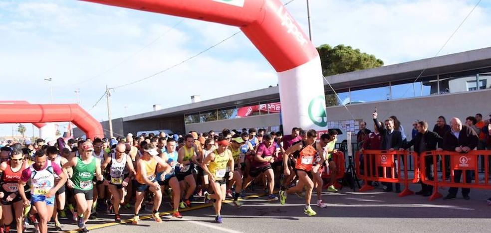 Andrés Mico y Beatriz Ríos triunfan en la última media maratón del año