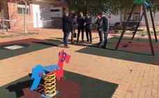 La reforma del parque y la instalación del vallado mejoran la plaza de Ana Rossetti