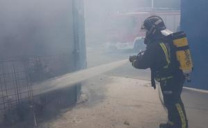 Arde una empresa de maquinaria en Torre Pacheco
