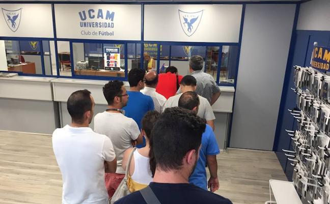 El UCAM hace un guiño a su gente
