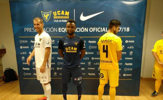 El UCAM presenta sus nuevas equipaciones