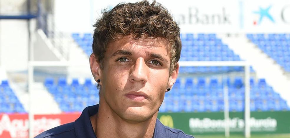 El UCAM, que recibe al Badajoz, pierde a Santana para un mes